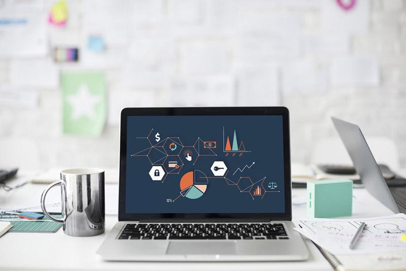 Bild-på-projektledarens-arbetsbord