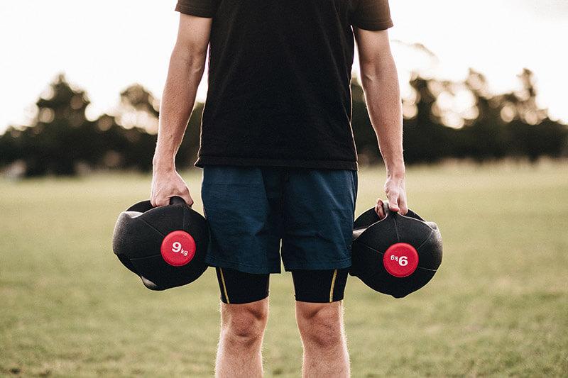 Man-bygger-muskler